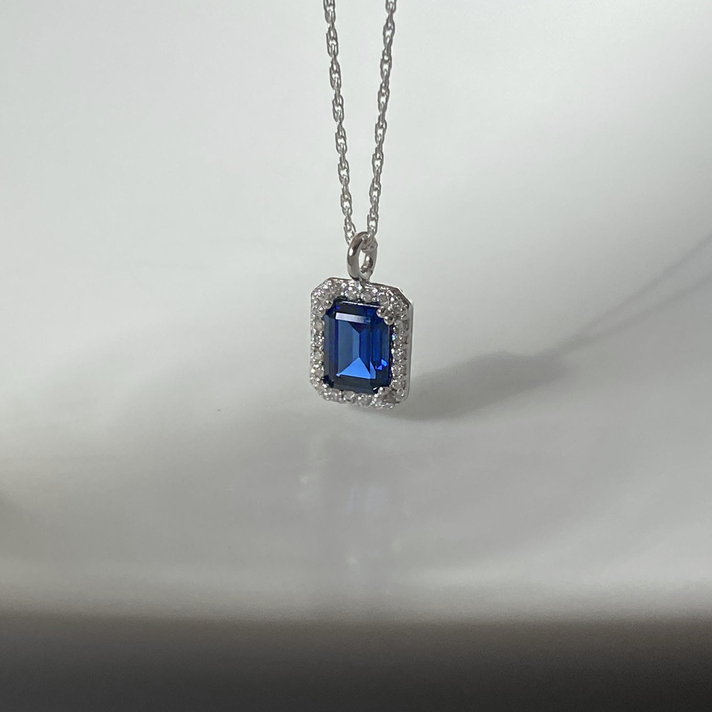 [WHITE DAY] royal blue necklace
